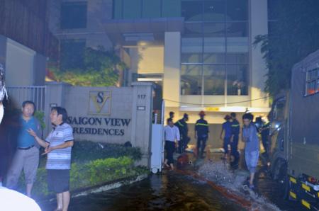 Tầng hầm khách sạn ngập lênh láng, nhiều ô tô bị nhấn chìm