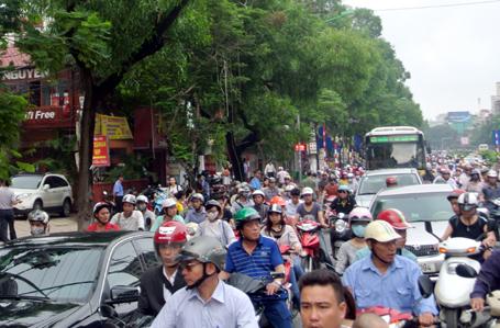 Hà Nội chính thức bỏ lệnh cấm ô tô đường Xuân Thủy - Cầu Giấy