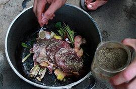 Đức điều tra một người Việt ăn thịt mèo nhà hàng xóm