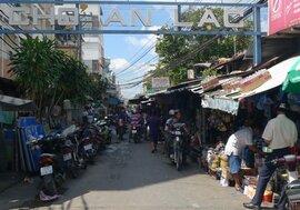 Thăm khu chợ