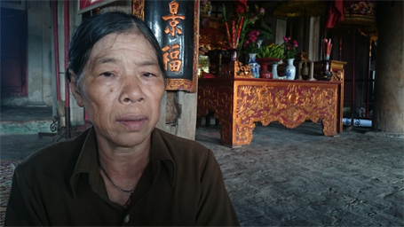 Bà Yến cho biết, chồng đã mất, giờ muốn xóa tên khỏi sổ hộ khẩu phải mất thêm 100.000 đồng