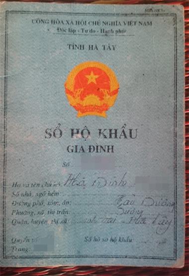 """Hà Nội: Đổi sổ hộ khẩu mới, dân bị xã """"phạt tứ tung""""?"""