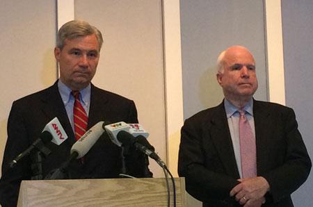 TNS McCain: Mỹ có thể nới lỏng lệnh cấm vũ khí sát thương cho VN vào tháng 9