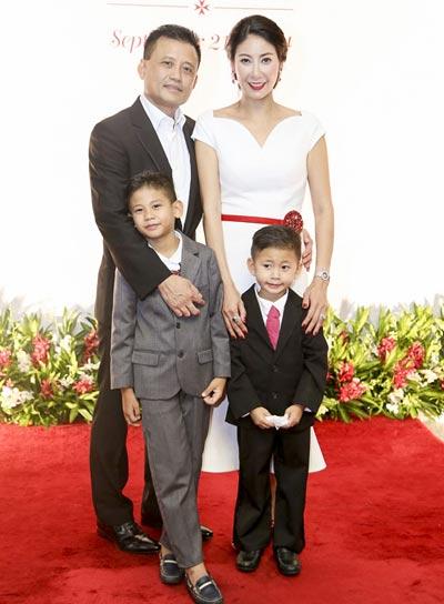 Gia đình hạnh phúc của Hoa hậu Hà Kiều Anh