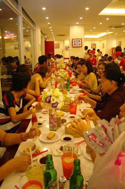 Hệ thống 4 nhà hàng Shi Fu tại Tp.HCM