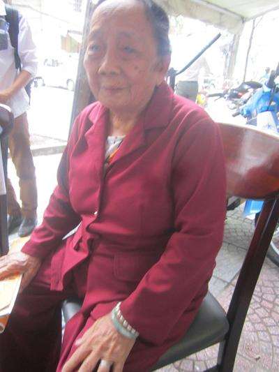 Cụ bà Trần Hạ Hảo, 83 tuổi, nạn nhân cao tuổi nhất tố cáo bị bà L. lừa đảo 1 tỷ đồng