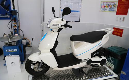 Xe máy điện chính hãng giá gần 90 triệu đồng tại Việt Nam 9