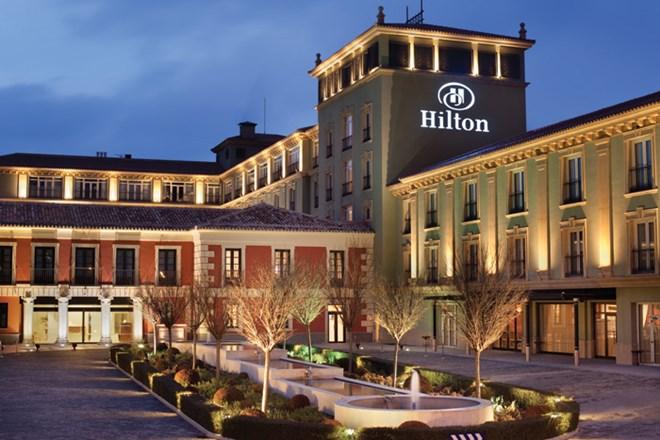 """Chuỗi khách sạn Hilton, """"chết đi, sống lại"""""""