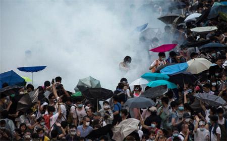 Kinh tế Hồng Kông có thể điêu đứng vì biểu tình