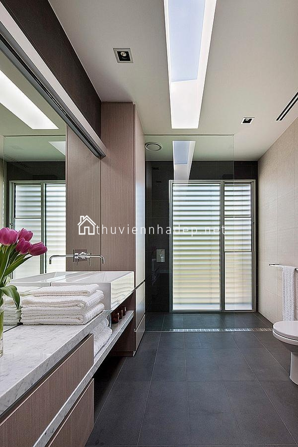 Phòng tắm đơn giản sang trọng