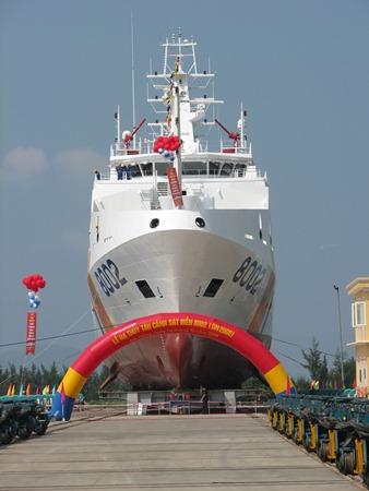 Hạ thủy một trong những con tàu hiện đại nhất của Cảnh sát biển Việt Nam