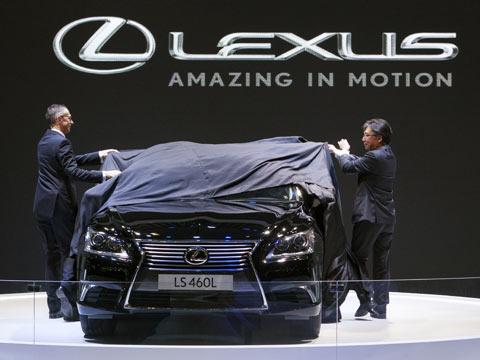 Không chiếc Lexus nào bán được bán tại miền Bắc và miền Trung từ đầu năm