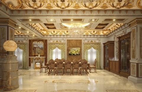 Sàn nhà được lát đá, phía trên trần nhà hoa văn trang trí được mạ vàng sáng rực