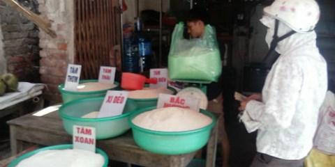 """Lật tẩy """"gạo ướp thuốc"""" đầu độc người Việt"""
