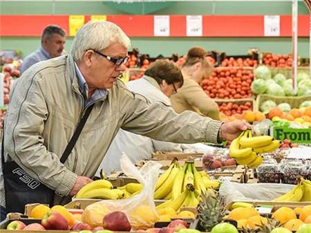 """Nga """"cấm tiệt"""" hoa quả Ucraina vì nghi… là sản phẩm của EU"""