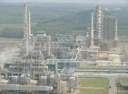 Đầu tư 2 tỷ USD mở rộng nhà máy lọc dầu Dung Quất