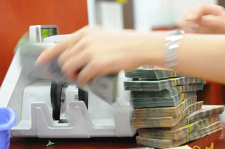 HSBC: Hạ trần lãi suất huy động khó đạt mục đích kích cầu