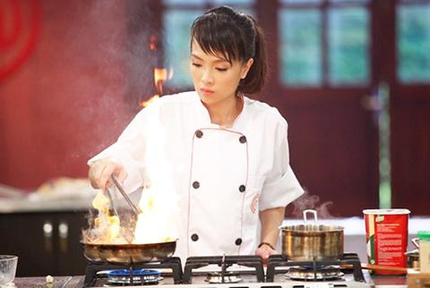 tốt nghiệp Ngoại thương loại giỏi, rời ngân hàng làm đầu bếp,  MasterChef Việt Nam