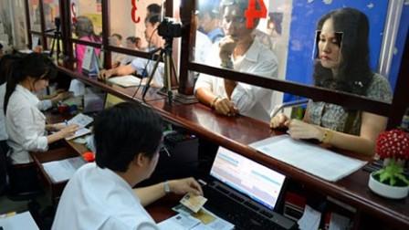 Sẽ cấp đổi giấy phép lái xe qua mạng từ tháng 10