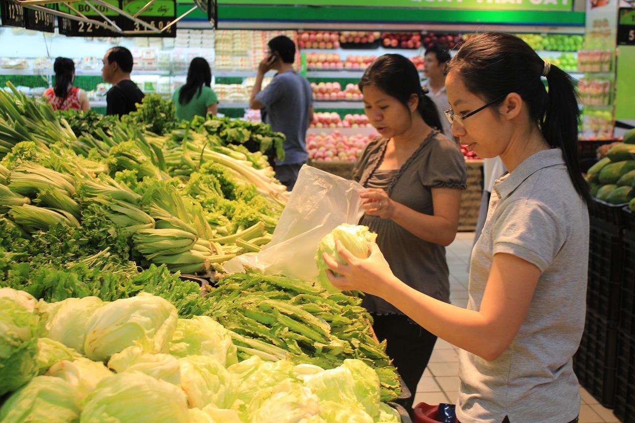 Xăng 8 lần giảm giá, giá thực phẩm vẫn giữ nguyên: vì đâu nên nỗi?