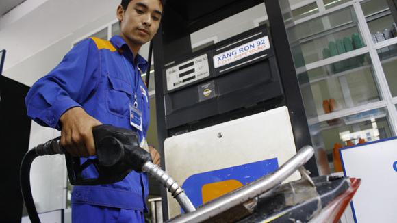 Doanh nghiệp được tăng giá xăng dầu khi giá cơ sở tăng vượt 3%