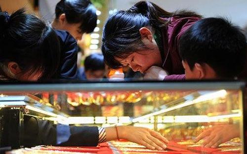 Giá giảm sâu, người Trung Quốc vẫn thờ ơ với vàng