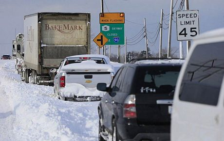 7 trường hợp thiệt mạng liên quan tới trận bão tuyết dữ dội đã được thông báo tại bang New York.