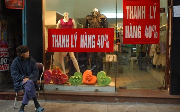 CPI giảm bất thường: Người tiêu dùng... mệt nhoài