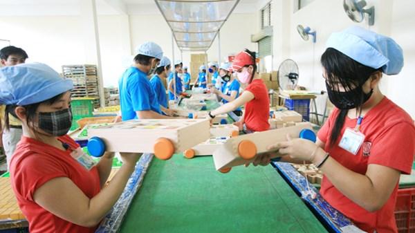 Người lao động bị ép nhận lương thấp