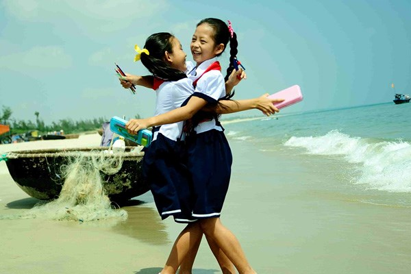 Viettel chắp cánh giấc mơ của hàng vạn trẻ em nghèo hiếu học
