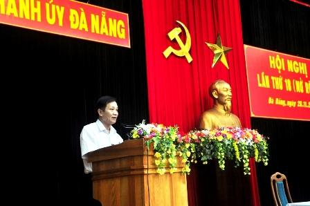 Bí thư Thành ủy Đà Nẵng phát biểu tại hội nghị