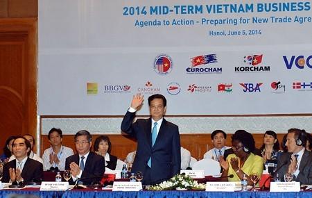Thủ tướng tham dự Diễn đàn Doanh nghiệp Việt Nam cuối kỳ năm 2014