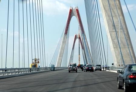Cây cầu dây văng lớn nhất Việt Nam chính thức mang tên Nhật Tân