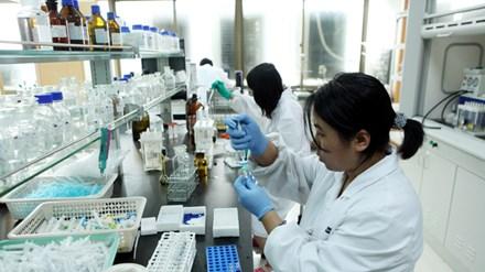 Ấn Độ lo ngại khủng hoảng y tế nếu quá phụ thuộc vào nguyên liệu thuốc Trung Quốc (Ảnh: minh họa)