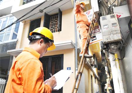 Người dân bức xúc vì không kịp đóng tiền sẽ bị cắt điện mà không cần một thông báo