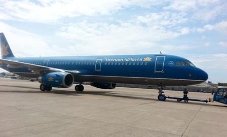 Máy bay Vietnam Airline bị không tặc tấn công?
