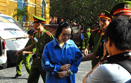 Huyền Như thừa nhận hành vi chiếm đoạt tài sản, kháng cáo xin lại nhà cho mẹ