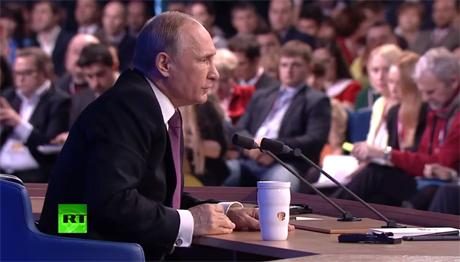 Tổng thống Putin họp báo trực tiếp với 1.200 phóng viên