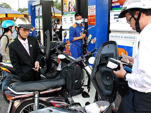 Giá xăng dầu sẽ giảm trong nay mai?