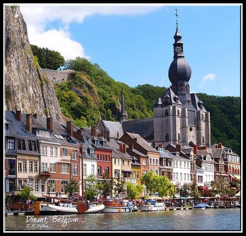 Lộng lẫy sắc màu ở thị trấn Dinant, Bỉ