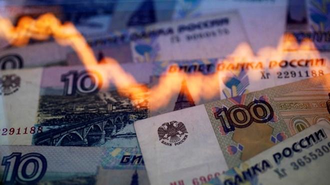 Đồng ruble trượt dài - Phép thử khác nghiệt cho kinh tế Nga