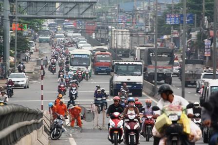 TPHCM lần thứ 2 đề xuất thu phí đường bộ xe máy