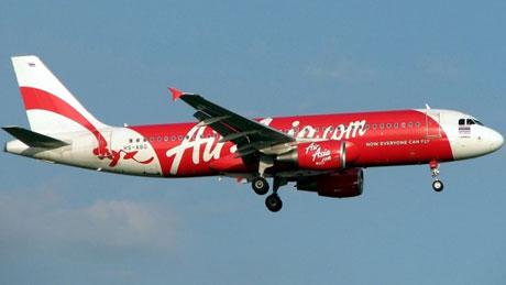 Một máy bay Airbus A320 của hãng AirAsia đang bay đến Indonesia