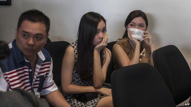 Máy bay AirAsia chở 162 người mất tích trên đường tới Singapore