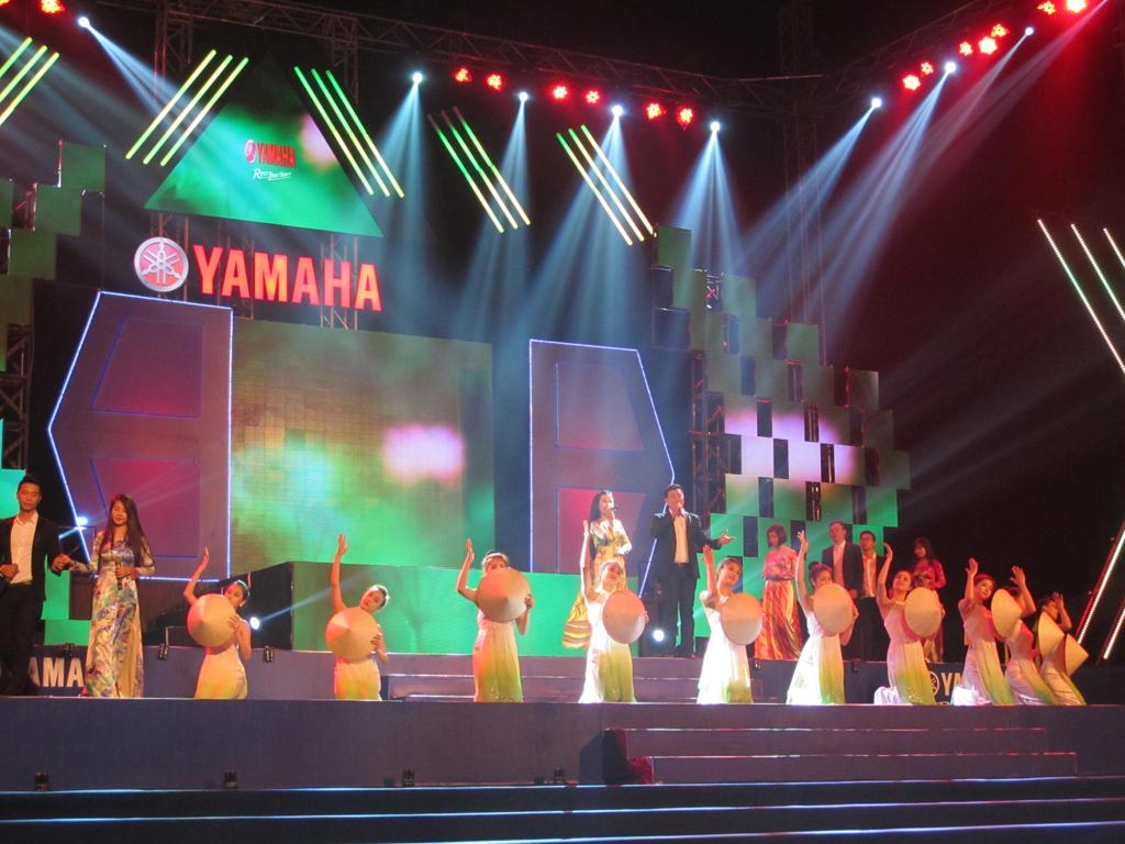 Rất nhiều ca sĩ trẻ, nổi tiếng góp mặt trong chương trình.