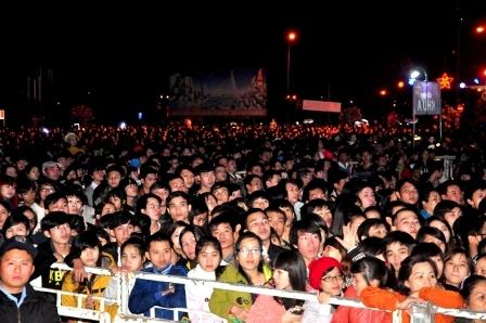 Hàng vạn người dân Đà Nẵng cùng đếm ngược đón năm mới
