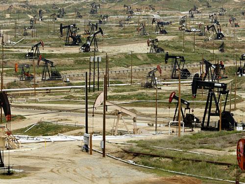 """Mỹ """"bắn"""" OPEC"""