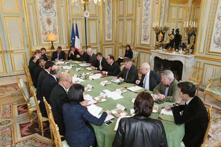 Pháp: Thảm sát tại tòa báo ở Paris, 12 người chết