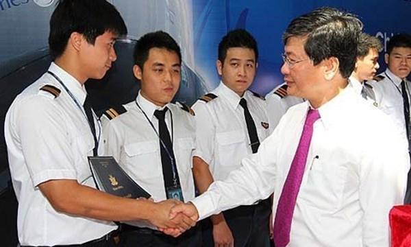 Lương 80 triệu: Phi công Vietnam Airlines chê thấp, bỏ việc