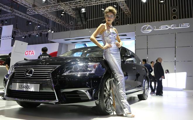 Giới nhà giàu Việt Nam tiêu thụ 385 chiếc Lexus trong năm 2014